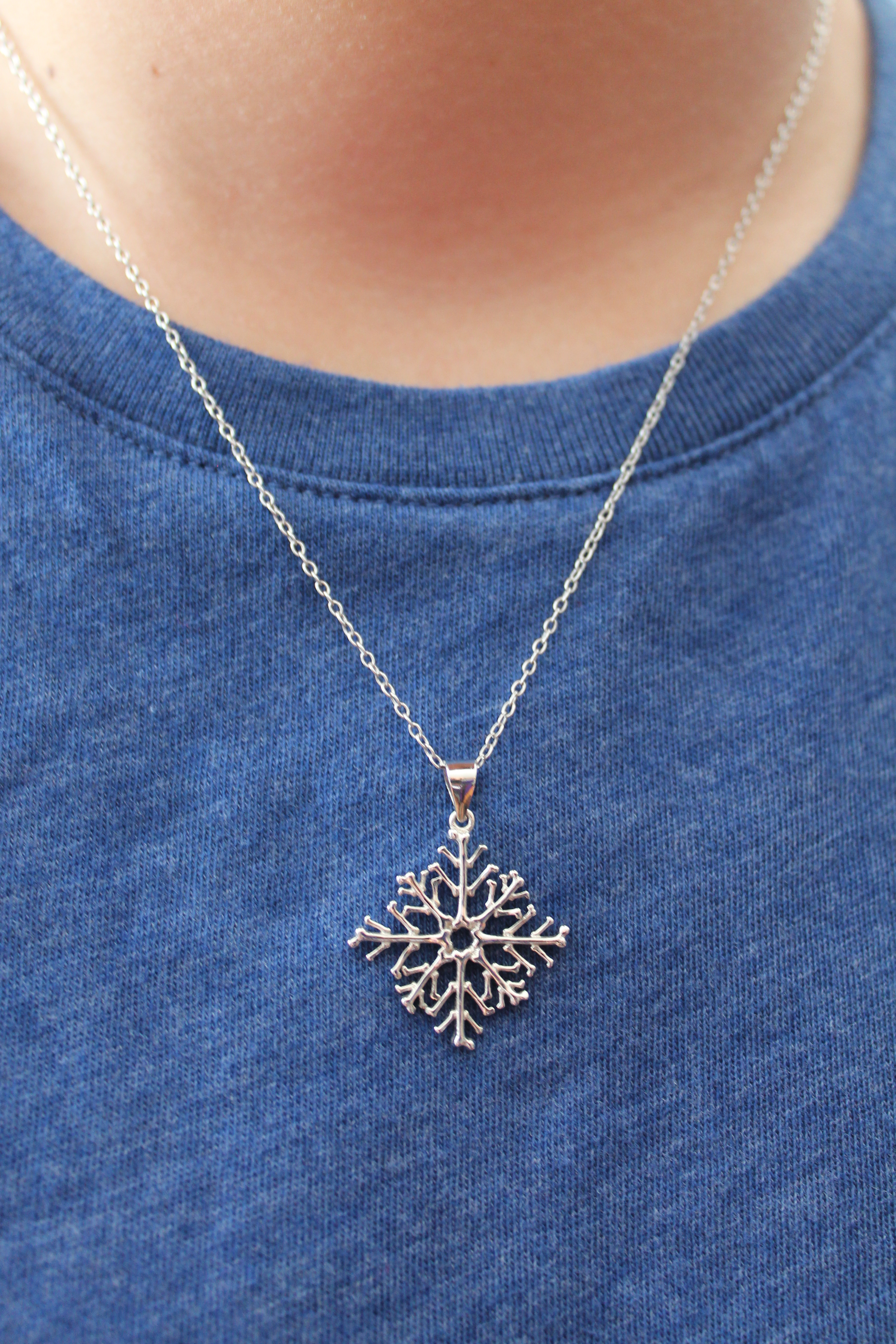 kingdom lr flake couture disney products snowflake snow frozen necklace